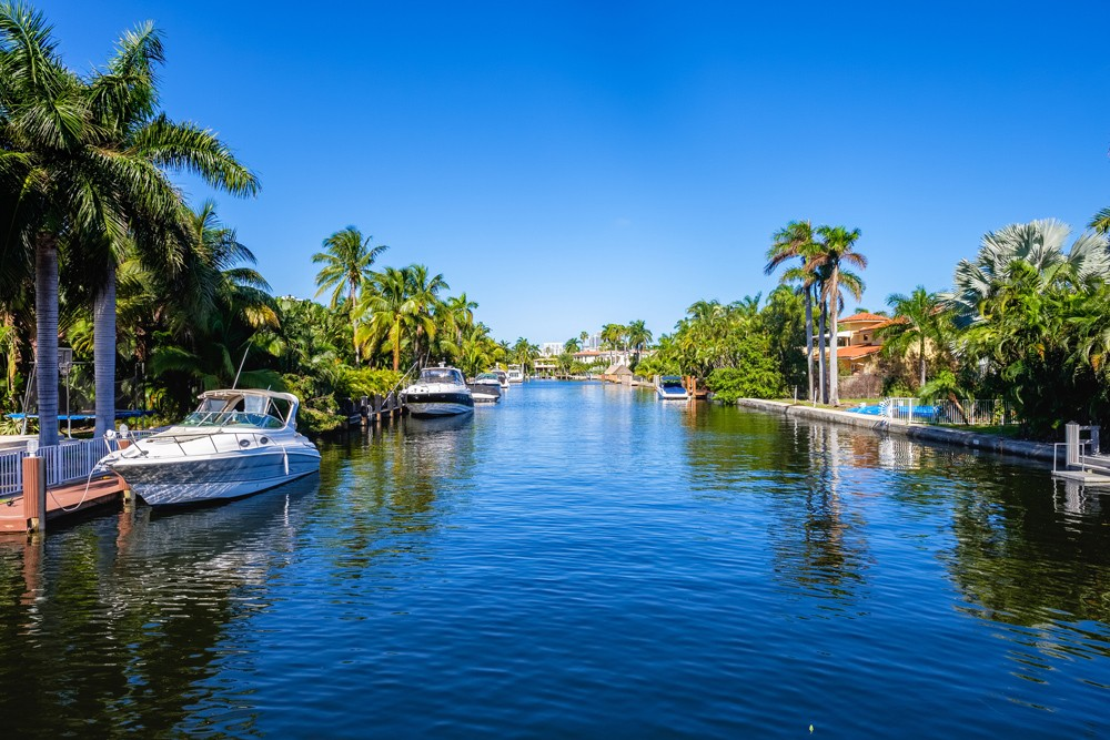 Englewood Waterfront & Lots: Where Southwest Florida Home Dreams Become A Reality